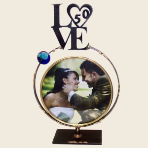 LWF9H - Large Circular Frame with LOVE 50