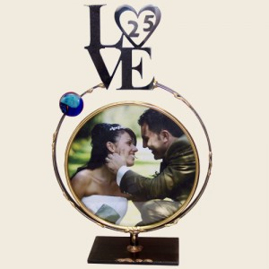 LWF9S - Large Circular Frame with LOVE 25