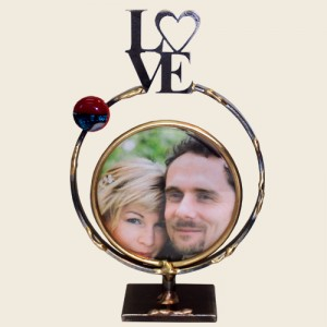 SWF9 - Small Circular Frame with LOVE