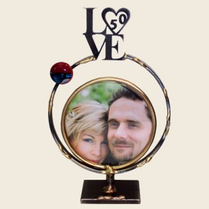 SWFG - Small Circular Frame with LOVE 50