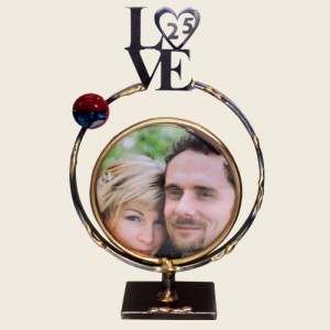 SWF9S - Small Circular Frame with LOVE 25
